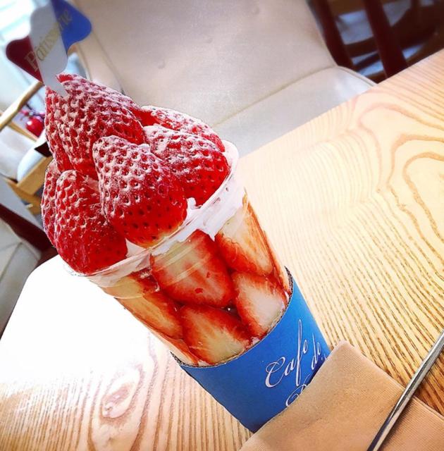"😋🍴 on Instagram: ""#Cafedeparis #카페드파리 #딸기봉봉 🍓"" (79754)"