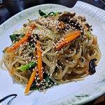 おやつにもおつまみにも最適!韓国の人気料理チャプチェの作り方を紹介♡