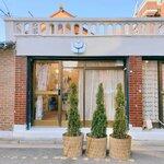 チューリップがコンセプトのカフェ「ソジャン植物展(소장식물전)」☆