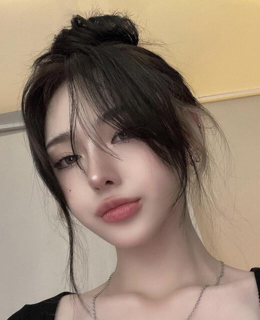 https://www.instagram.com/p/CCrAuk7HojH/ (189514)