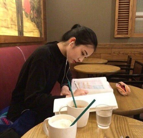 https://weheartit.com/entry/357447631?context_query=ulzzang+study&context_type=search (191439)