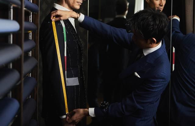 ネイビー好き必見!「Blubello」で作る魅惑のオーダースーツ
