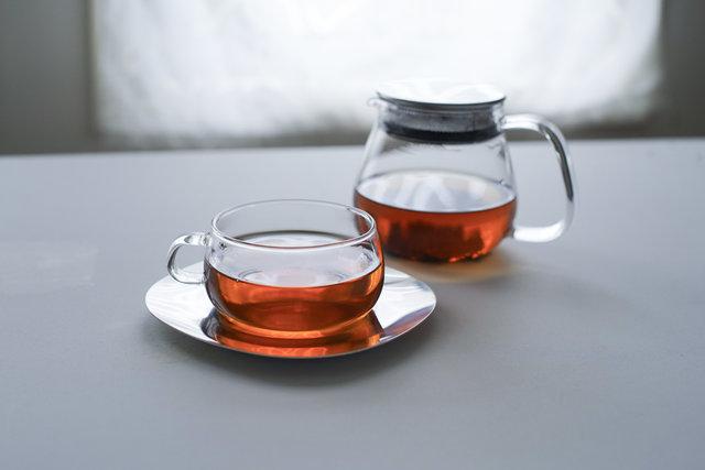 お茶の色の美しさに気づく。KINTO「UNITEA」のティーウェア
