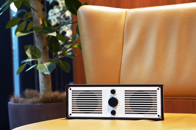 パーツの組み立てから楽しめるラジオ「R1・R2」