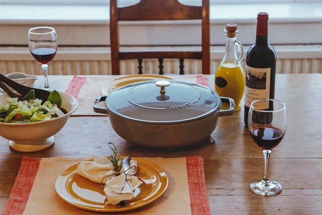素材を活かし、食卓を彩る。Staub | ストウブ ブレイザーソテーパン