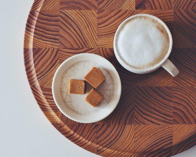 滋味豊かなひと欠片をコーヒーと。ナカシマファーム「ブラウンチーズ」