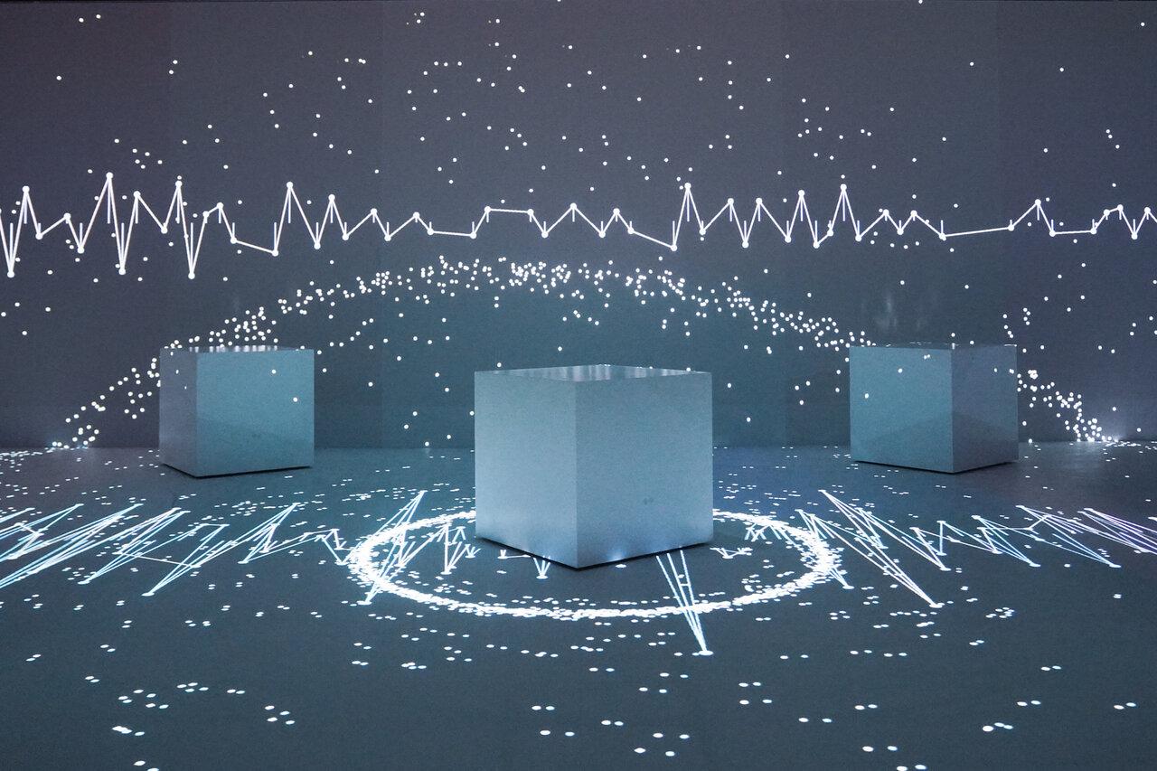 複雑化するテクノロジーと人間の関係を考える「ライゾマティクス_マルティプレックス」展