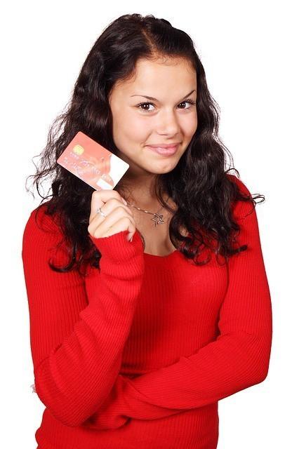 みんな持ってる!?クレジットカードの「家族カード」がとても便利らしい!
