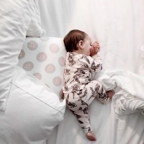 「赤ちゃんの夜泣き」なぜ泣くの?「赤ちゃんの想い」代弁しちゃう♪