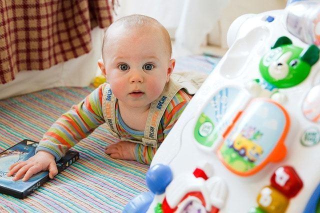 「生後3ヶ月からの遊び」で将来天才!?知育遊びで才能を伸ばそう