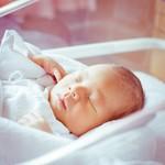 赤ちゃんの体重は「成長の目安」!体重の測り方と増え方が心配なときの対処法とは?