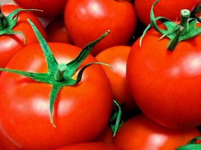 栄養たっぷり♪「トマト」を使った離乳食♡基本の調理法と注意点