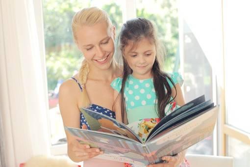 ママ必見!!【読み聞かせ】が子供に与える5つの効果とは!?絵本選びのコツや年齢別のおすすめ