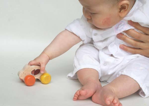 おもちゃ選びに悩むパパママに赤ちゃんの発達を促す知育おもちゃを紹介!