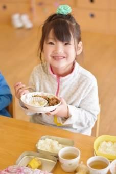 ママ必見!!子供が喜ぶお弁当おかずアイディアレシピ6選♡詰め方のコツやおすすめアイテムも!!