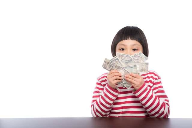 子供にお金のことどう教える?お金の教育の必要性と教え方のコツ