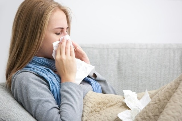 つらい花粉症に悩む人たちへ花粉症の基本知識徹底解説!!