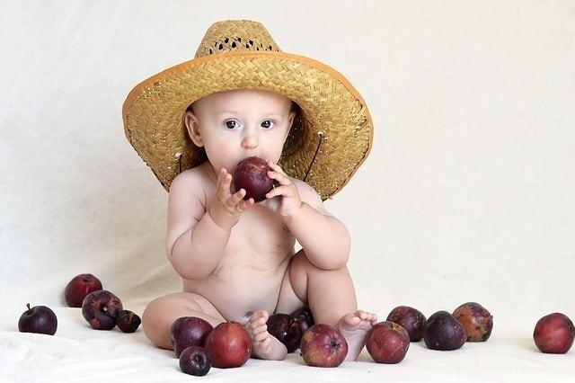 産後育児と家事の両立は大変!日々欠かせない食事作りを乗り切る法