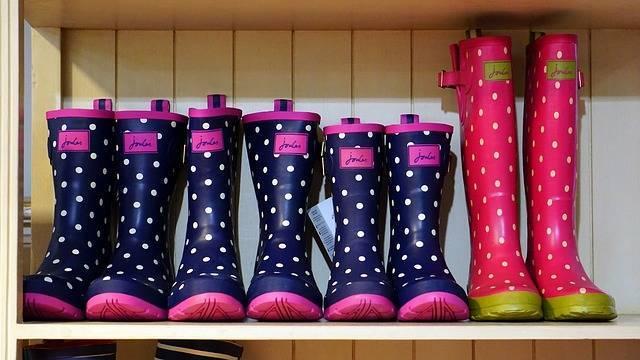 レディースレインブーツは今や雨の日の必需品♥雨を親子で楽しもう
