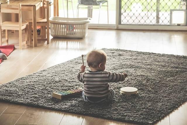 子供と一緒に覚えよう!手遊び歌の凄い効果とおすすめの曲5選