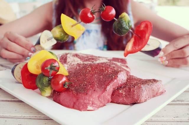 色の力でもっとおいしく!親子のお食事タイムを楽しくする方法