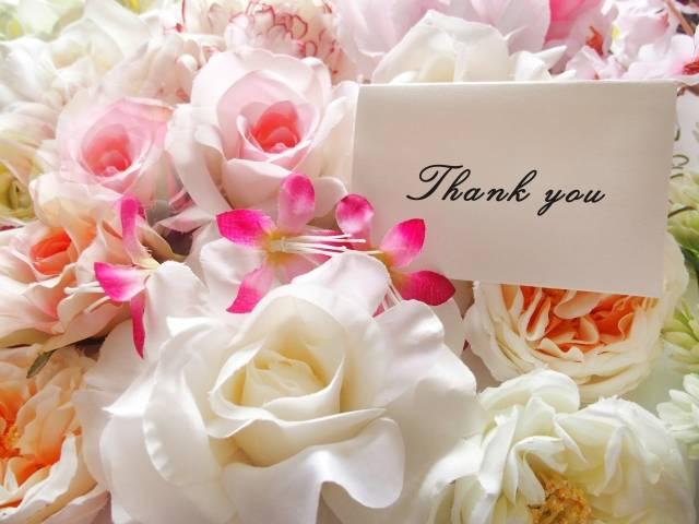 母の日には花束を贈ろう♡お花と一緒に贈りたい人気ギフトを徹底リサーチ!