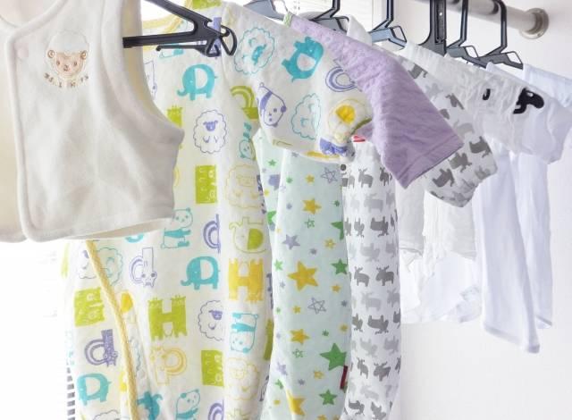 ベビー服は通販が便利!?忙しいママ必見!人気ブランド6選&おすすめ収納家具