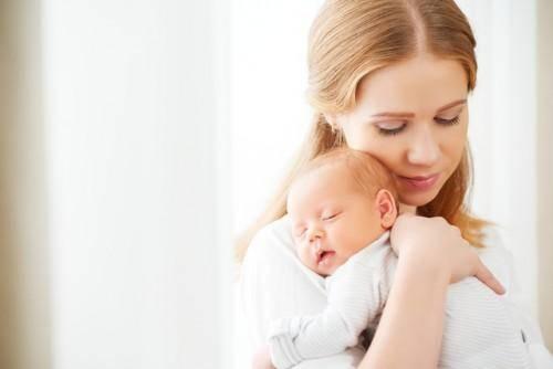 産後うつ?産後大忙しのママの変化するこころとからだについて