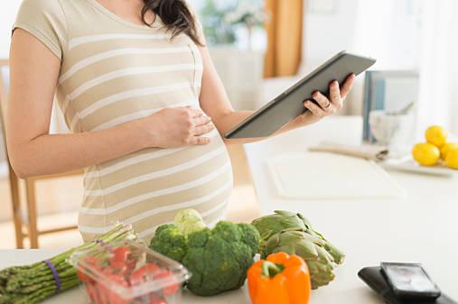 「妊娠中の食生活」知っておきたい栄養のポイントについて徹底解説!