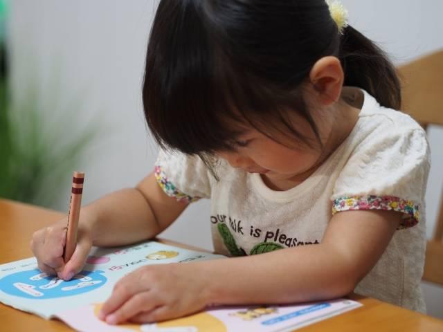 リビングに勉強スペースを作ろう♡賢い子が育つ!話題のスタディスペースとは