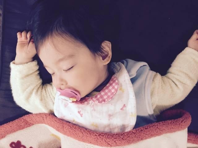 夜泣き対策に効果的!『カモミールティ』でママも赤ちゃんもぐっすり快眠♪
