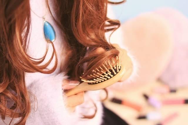 いつまでもおしゃれなママで!誰でも簡単にできるおすすめのヘアアレンジ便利グッズ5選