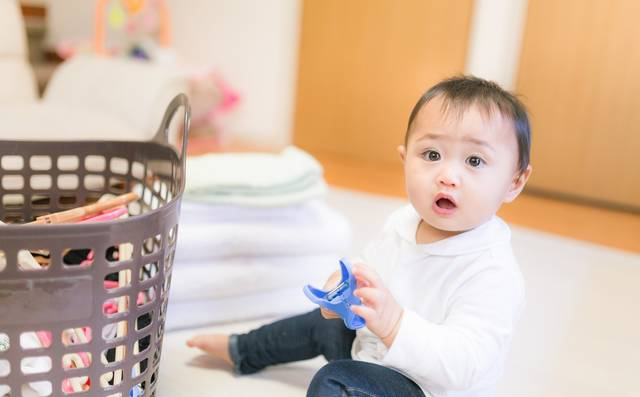 b1acc35a74f84 赤ちゃんの洗濯物は大人と一緒で大丈夫?洗剤や柔軟剤は?ママのための ...