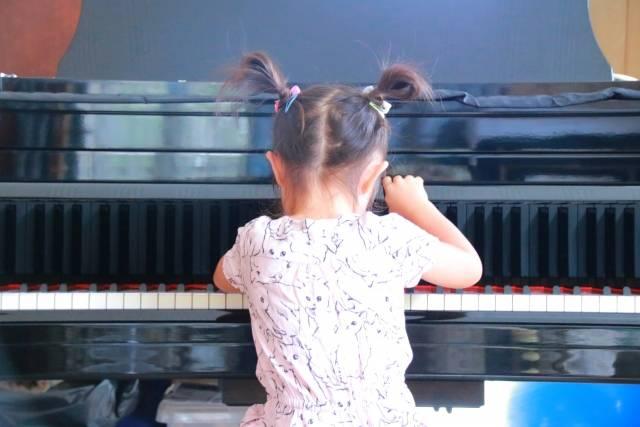 幼児期が大切!ピアノ教室で子どもの才能開花♬脳科学者も認める音楽のチカラとは