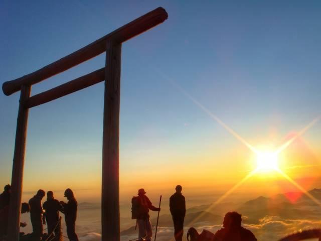 富士山登山を日帰りで☆初心者でも大丈夫なプランを教えて!持ち物や気をつけることって?