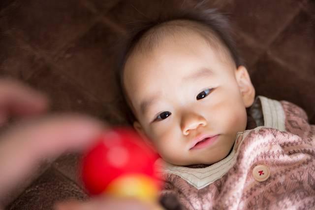 0歳の赤ちゃんが喜ぶおもちゃとは?成長を促すおススメおもちゃをご紹介☆