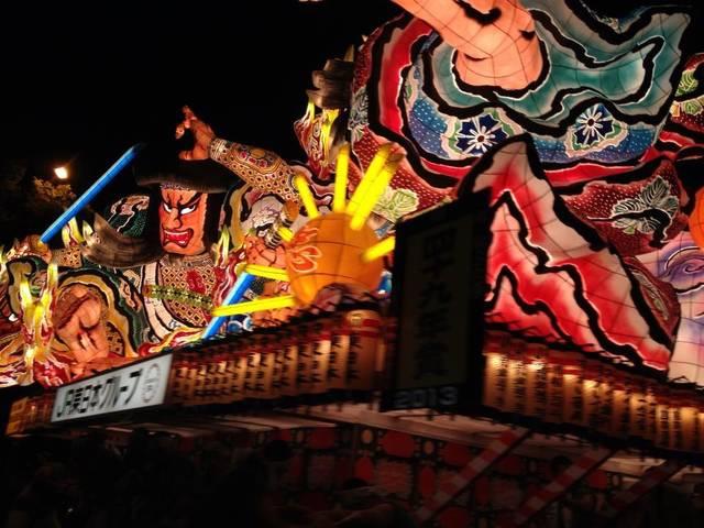 青森ねぶた祭は、数ある夏祭りの中でも行く価値あり!東北三大祭りで東北の夏を感じよう!