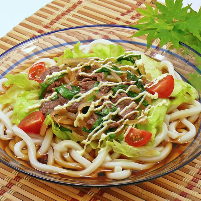 つるっと美味しい!サラダうどんレシピ♡簡単&さっぱりメニューで夏の暑さを吹き飛ばそう!
