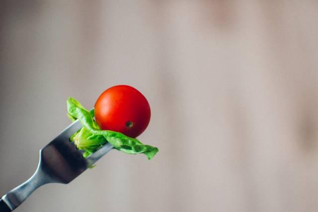 ミニトマトのレシピ大集合♡生でも焼いてもおいしさ再発見、大量消費もOK!