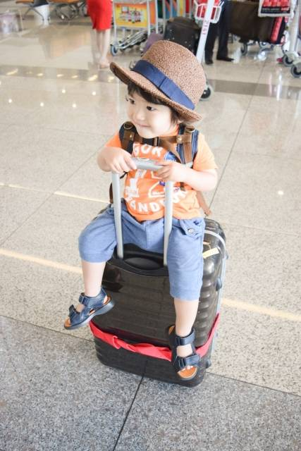 子連れの海外旅行は何歳からがおすすめ?気をつけたい3つのポイントと便利グッズ♡