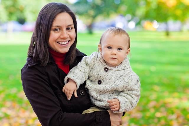 赤ちゃんの抱っこ紐に選び方があるってホント?合わないモノを選ぶとどうなるの?