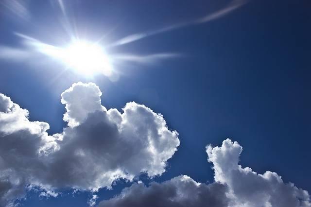 紫外線チェックカードで夏の強い紫外線からお肌を守ろう!作り方やおすすめグッズもご紹介