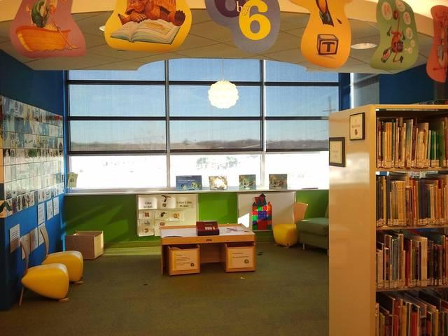子どもと一緒に図書館に行こう♪マナーを意識してたくさんの絵本に触れ合おう♡