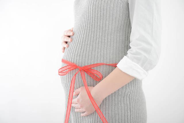 産後の骨盤ベルトはいつから着ける?嬉しい効果とおすすめのベルトを一挙ご紹介♡