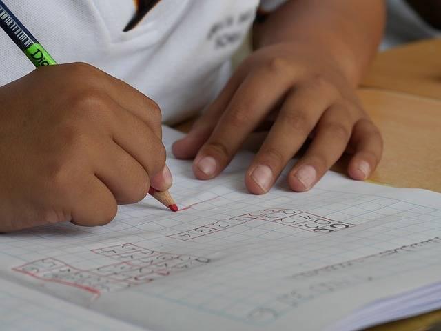 夏休みの宿題は早め派?ギリギリ派?子どもに計画性を身につけさせるために親ができること
