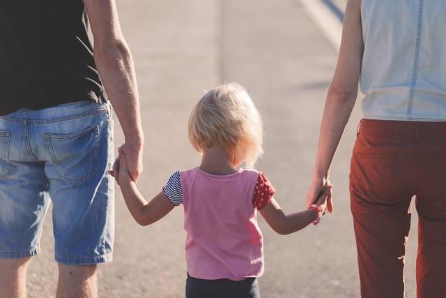 過保護とは?過干渉との違いを知って子どもの自己肯定感をUPさせる育児をしよう♪
