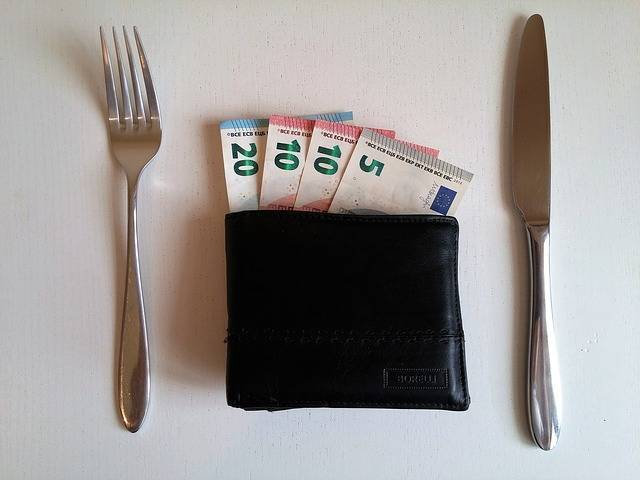 家計の上手な見直しポイント③毎月の食費を節約したいなら6つのコツを押さえよ!