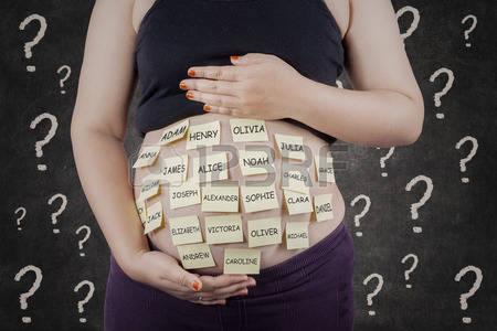 キラキラネームの基準って何?将来に与える影響は?子供の名付けで考えるべきこと