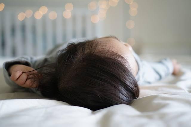赤ちゃんの髪の毛トラブルSOS!毛玉や薄毛にならないようにケアしてあげよう♡
