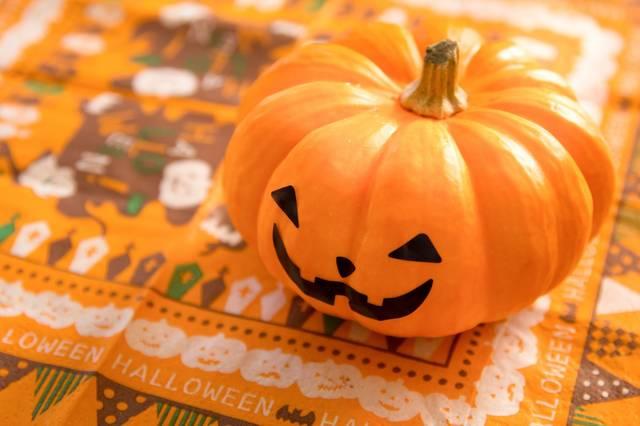 「ハロウィン」の起源とは?意外と知らない仮装やかぼちゃを飾る本当の意味とは?